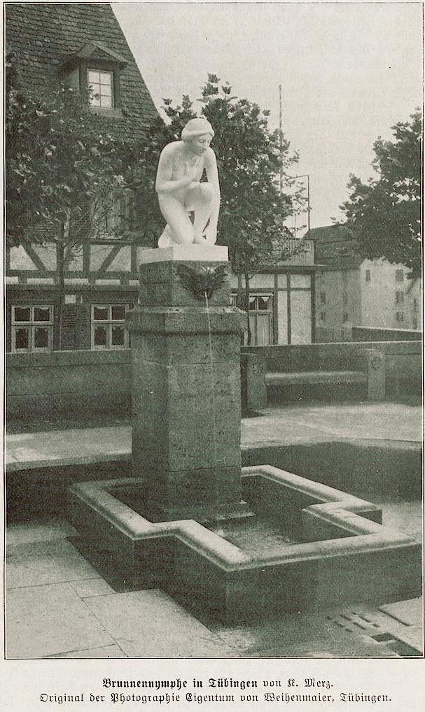 Brunnennymphe_vor_dem_Uhlandhaus