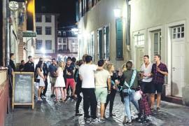 Nacht-Krawall: Ordnungsdienst setzt aufs Gespräch